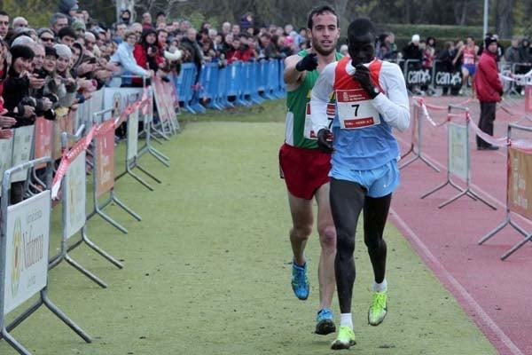 dos atletas corriendo