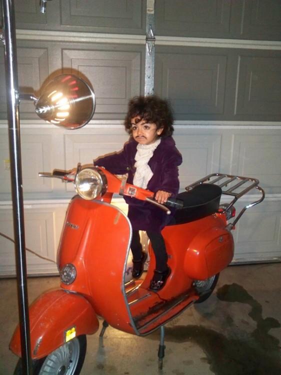 niño disfrazo de prince