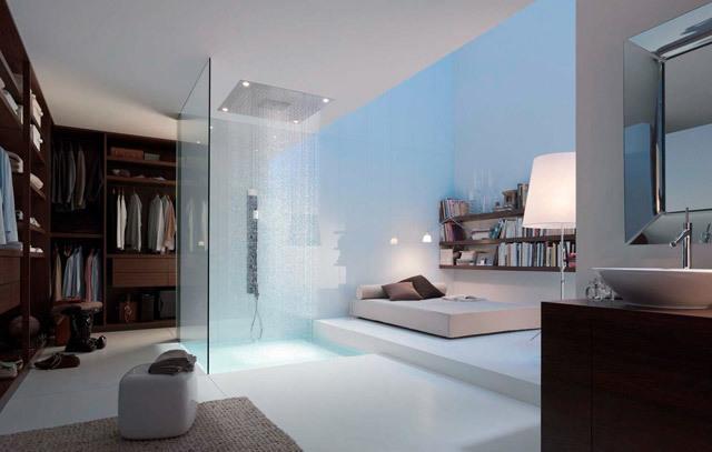 habitación con regadera transparente