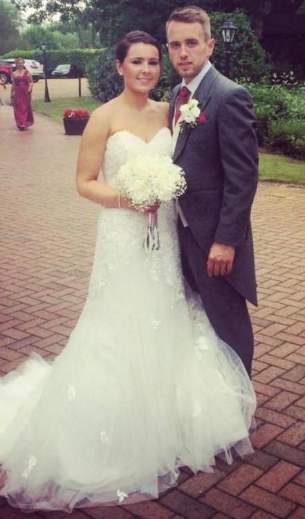en la boda los novios