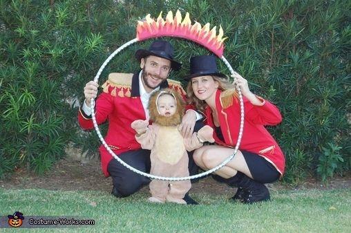 bebe disfrazado de leon