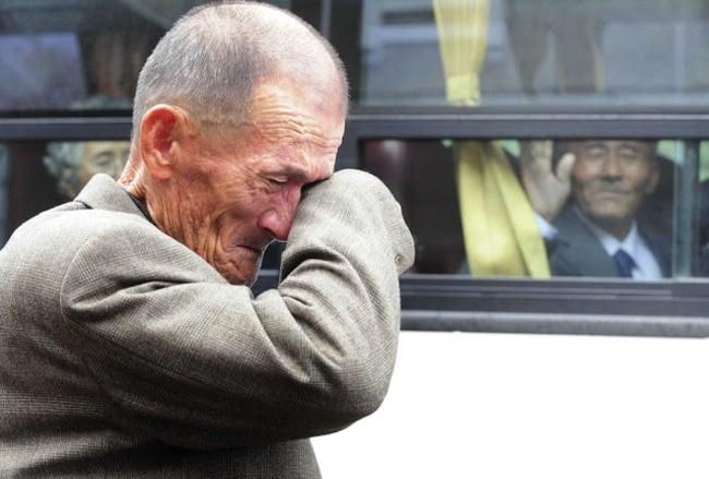 anciano llorando