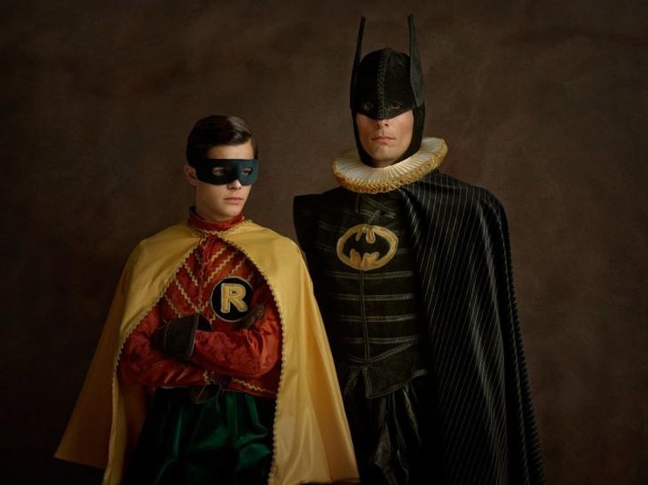 Retrato de Batman y Robin con una vestimenta del siglo XVl