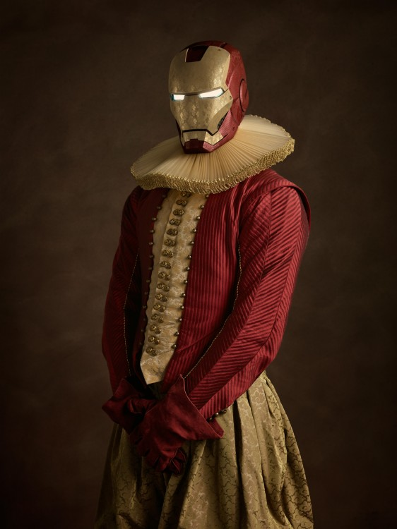 Retrato de Iron Man con vestimenta medieval
