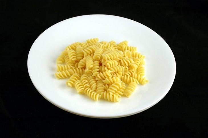 plato de pasta fideos de 200 calorias