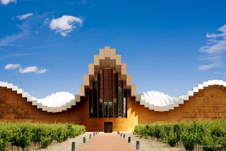 Contruccion real al estilo minecraft Bodegas Ysios, Santiago Calatrava, España