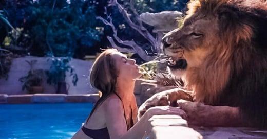 familia que vivia con un leon en 1971