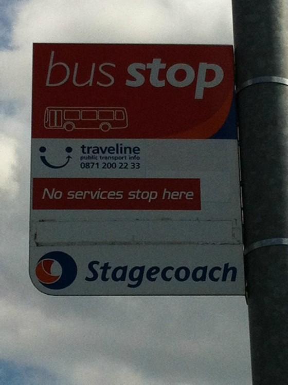 letrero de para de autobus