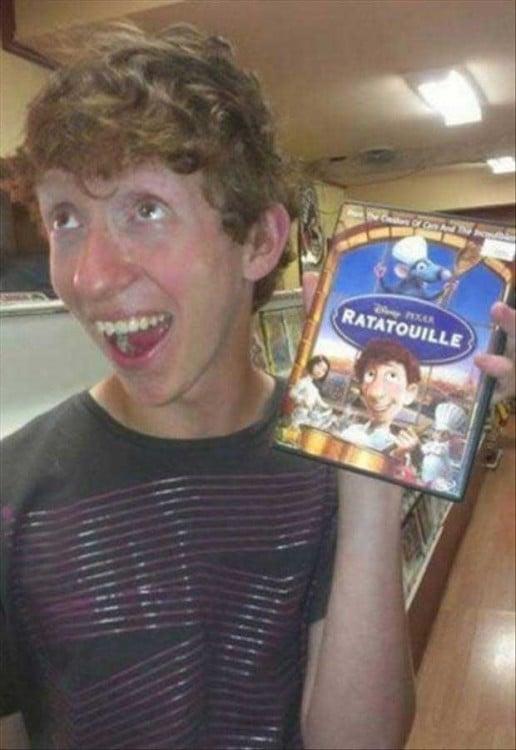joven que se parece al cocinero de la pelcula ratatoille