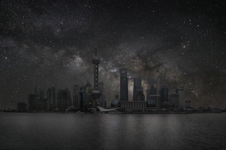 Ciudad de Shangai a oscuras