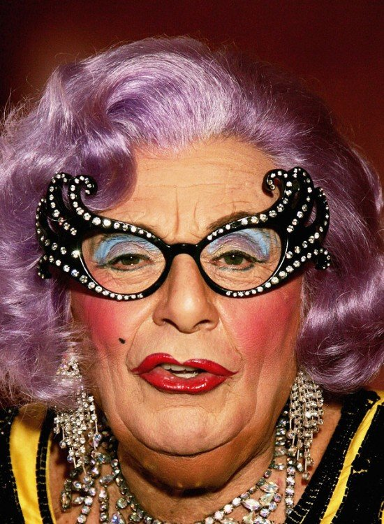 drag Dame Edna Everage