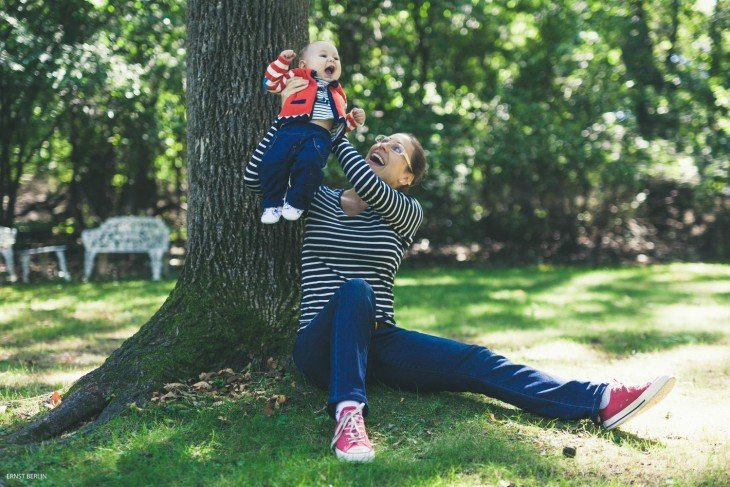 madre en el parque con su hijo
