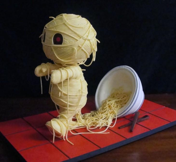 pastel hombre de fideos