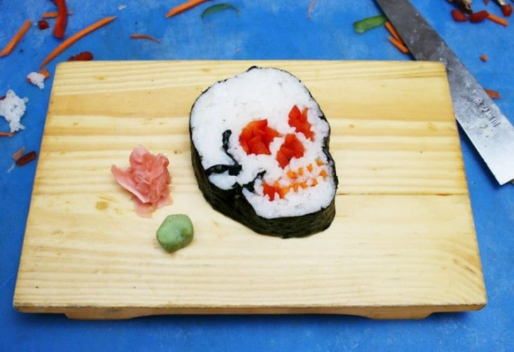 sushi en forma de calavera