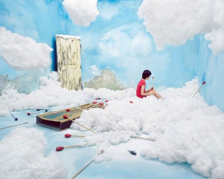 ли Янг создает мир, сюрреалистические в номере