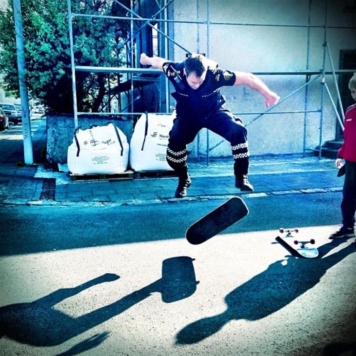 policía skater