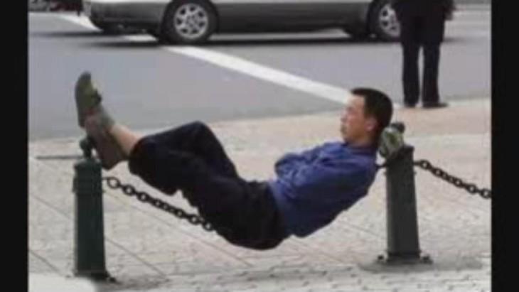 durmiendo en la plaza