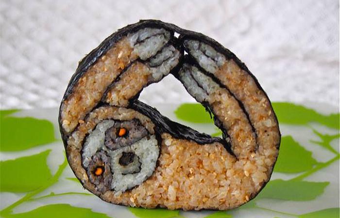 sushi en forma de un perezoso