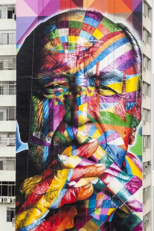 mural brasileño con diferentes colores