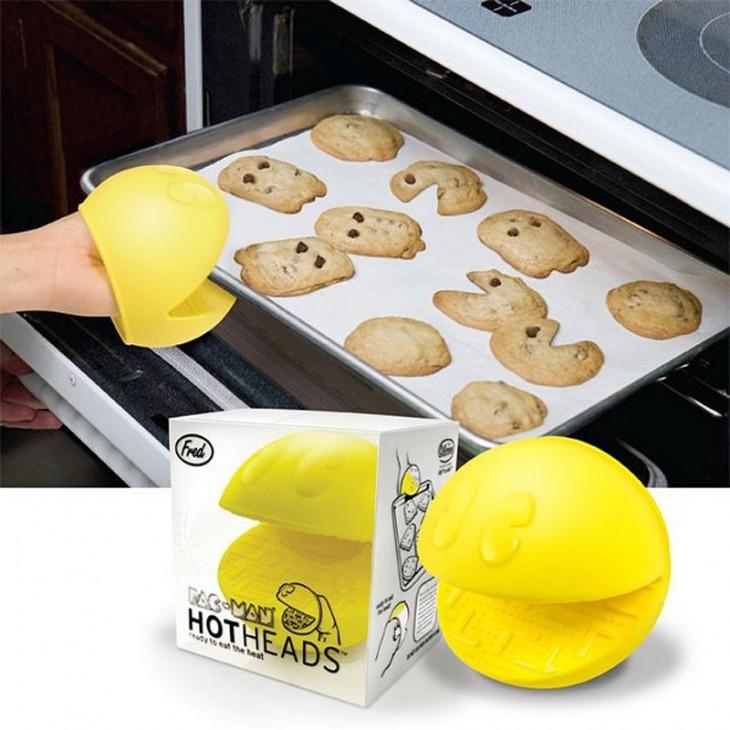 Manoplas para horno con forma de Pacman