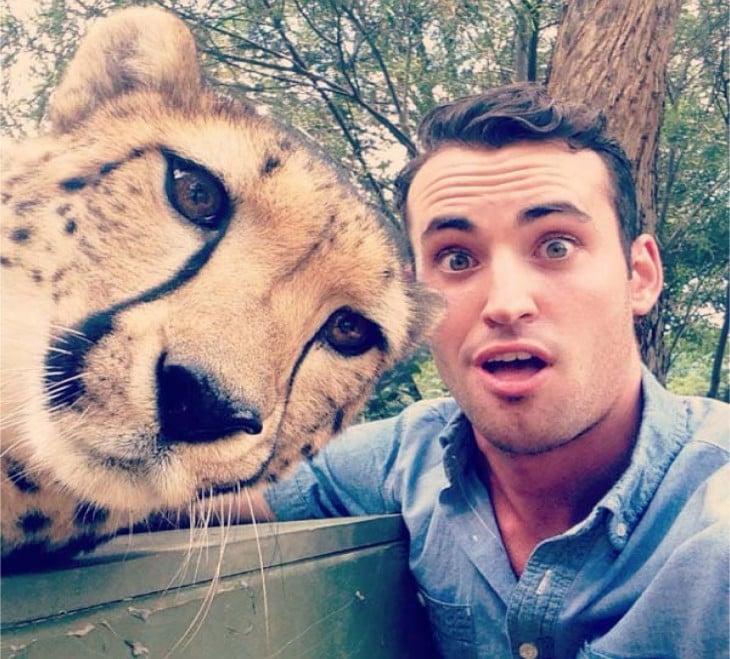 selfie con un tigre