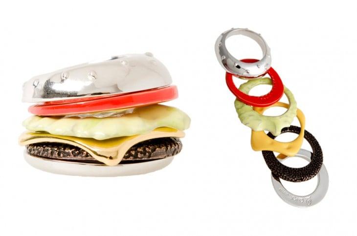 conjunto de anillos que forma una hamburguesa