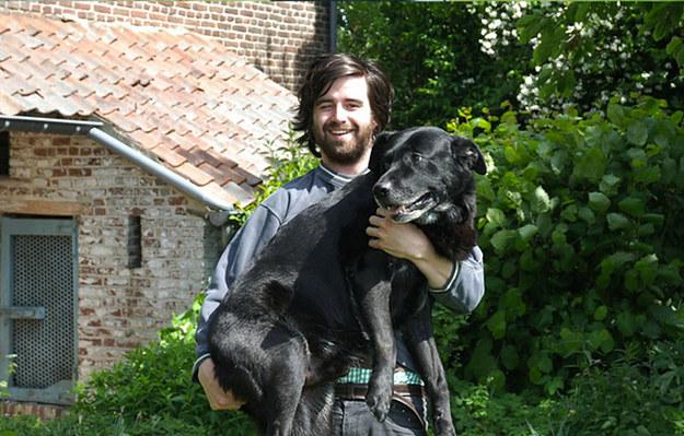 adolescente y perro