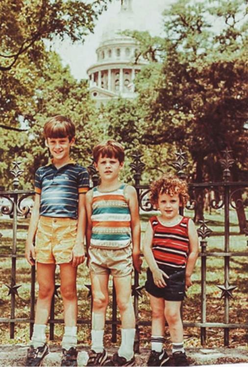 3 hermanos en el parque