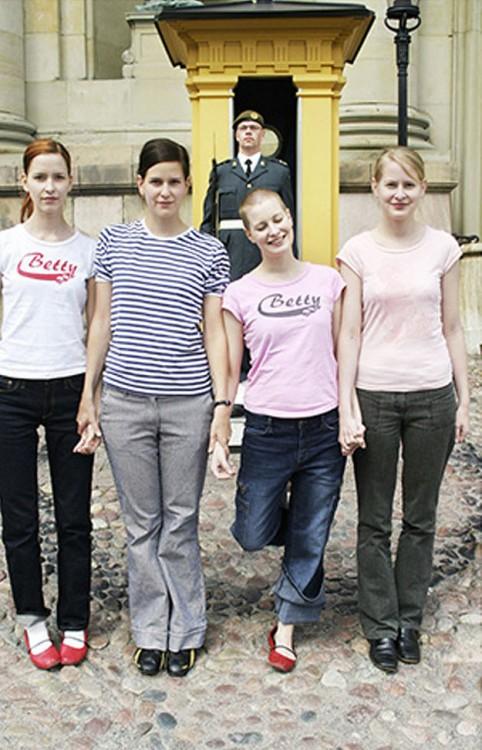 4 hermanas de grande