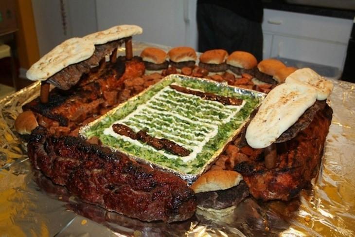 estadio de futbol americano hecho de carne