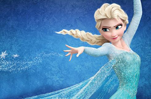 princesa elsa haciendo poder del hielo