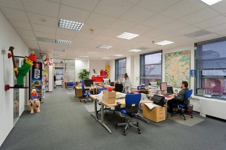escritorio en oficina