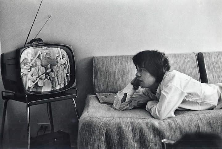 televison antigua blanco y negro