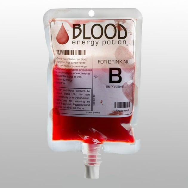 bebida energizante en bolsa de sangre
