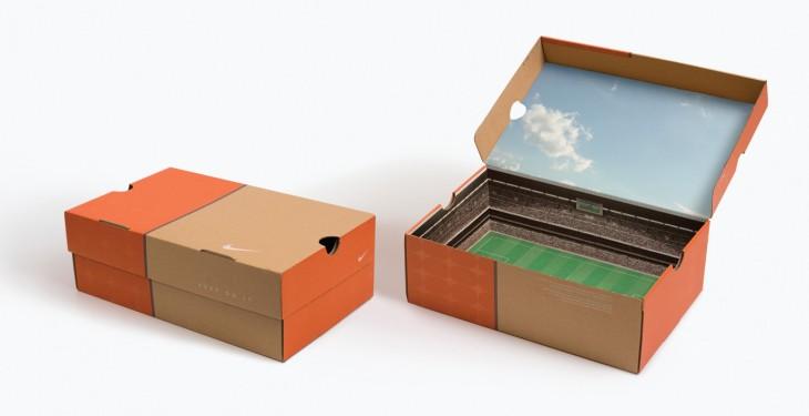 caja de tenis con estadio adentro