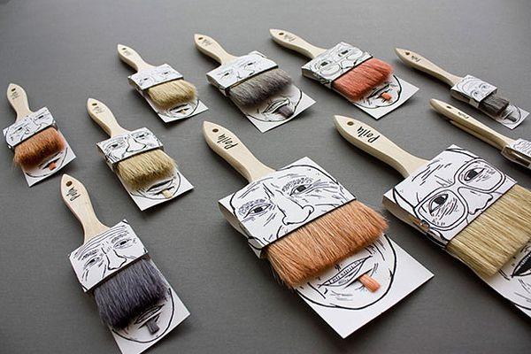 brochas que simulan el bigote de una cara