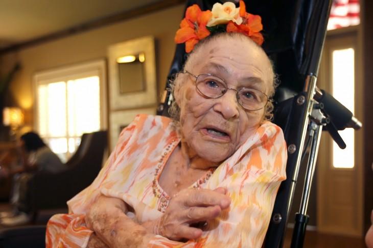 Gertrude Weaver la persona mas anciana de america