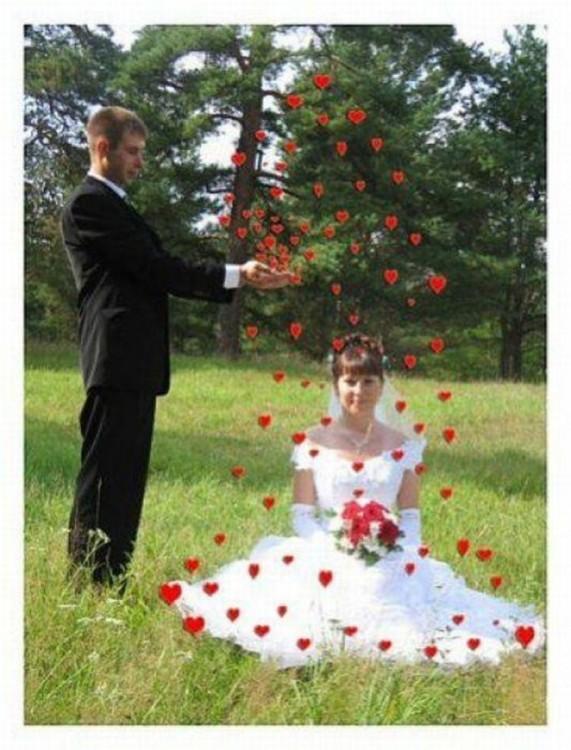 Edición de fotografía de novios con corazones