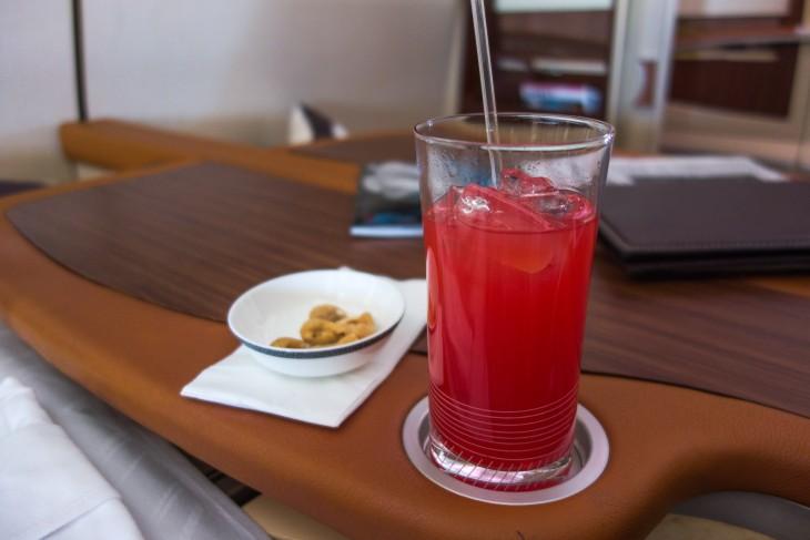 jugo de fresa y manies