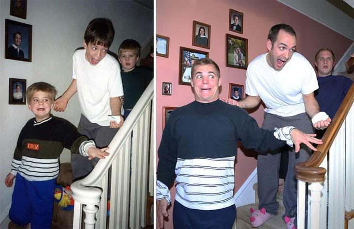 tres hermanos sorprendidos bajando las escaleras