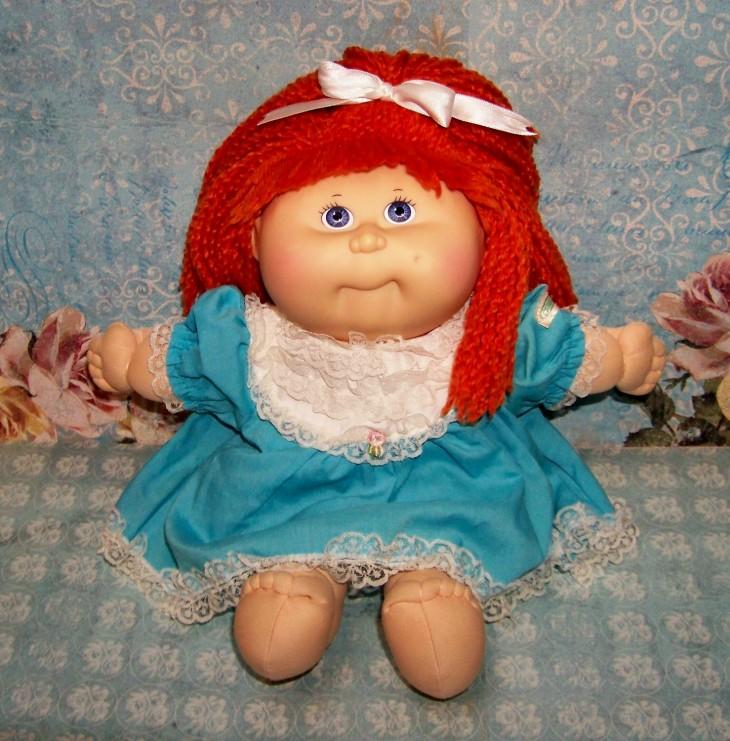 Muñeca Cabbage Patch Kids de cabello rojo