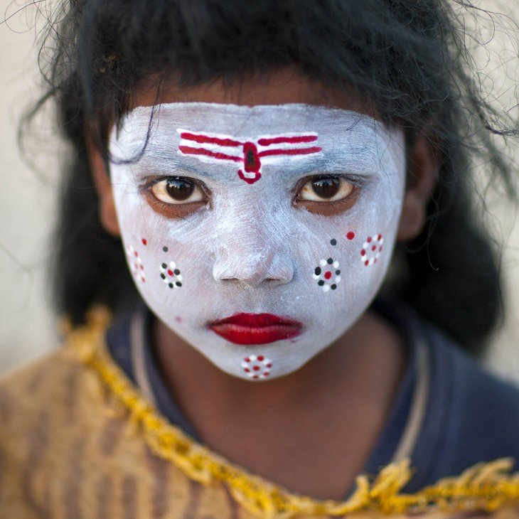 Niña con maquillado de Shiva