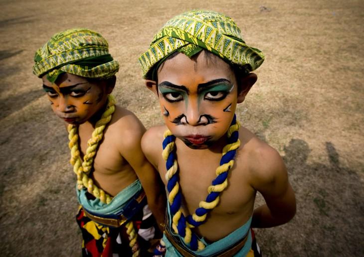 niños en el festival de Java, Indonesia
