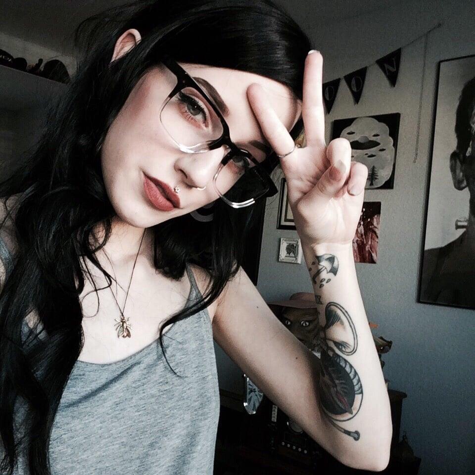 Pretty nerd in glasses gets a mouthful of cum 4
