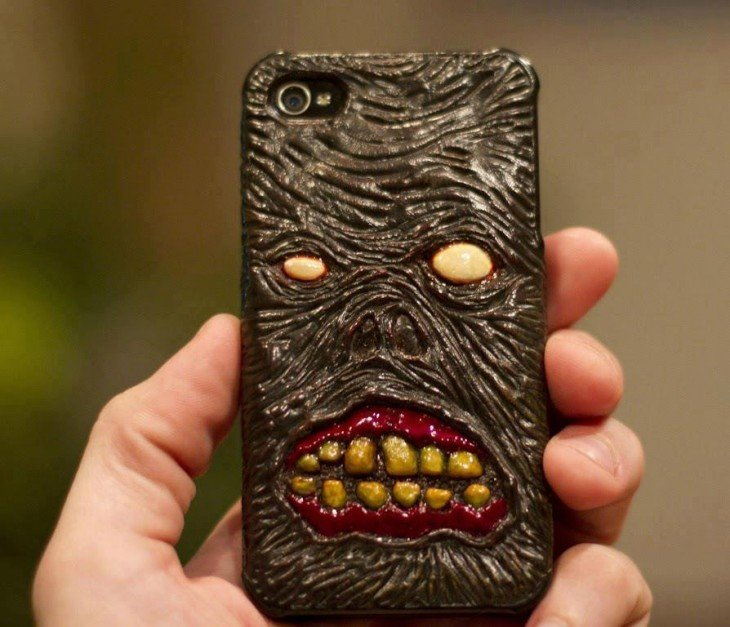 Funda para iphone con diseño de demonio