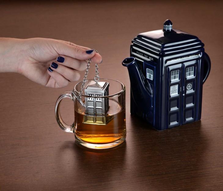 infusor en forma de Tardis del Doctor Who
