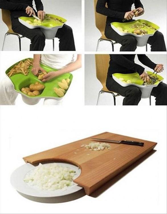 Contenedor para pelar papas y tabla de picar con plato para arrojar lo que se pique