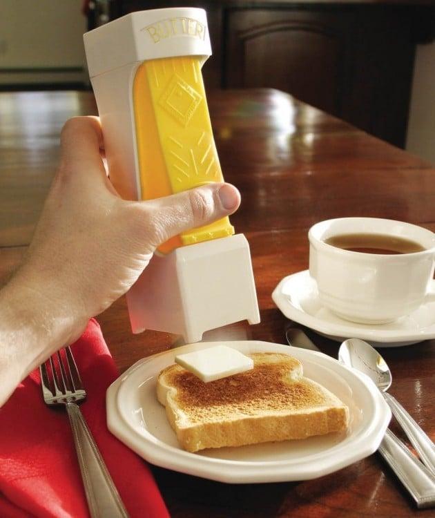 Herramienta que sirve para cortar la mantequilla en cuadros del mismo tamaño