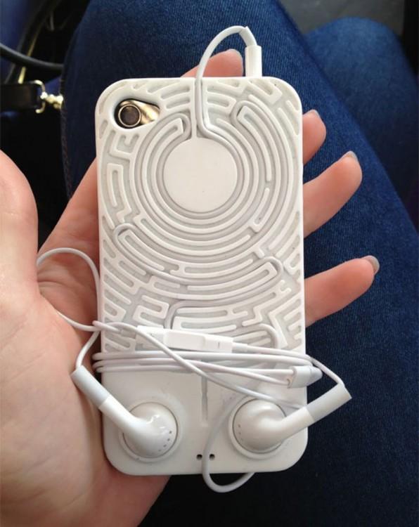 Funda con laberinto para tus auriculares de un Iphone