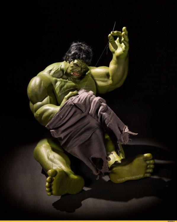 Hulk en versión irónica de Edy Hardjo.